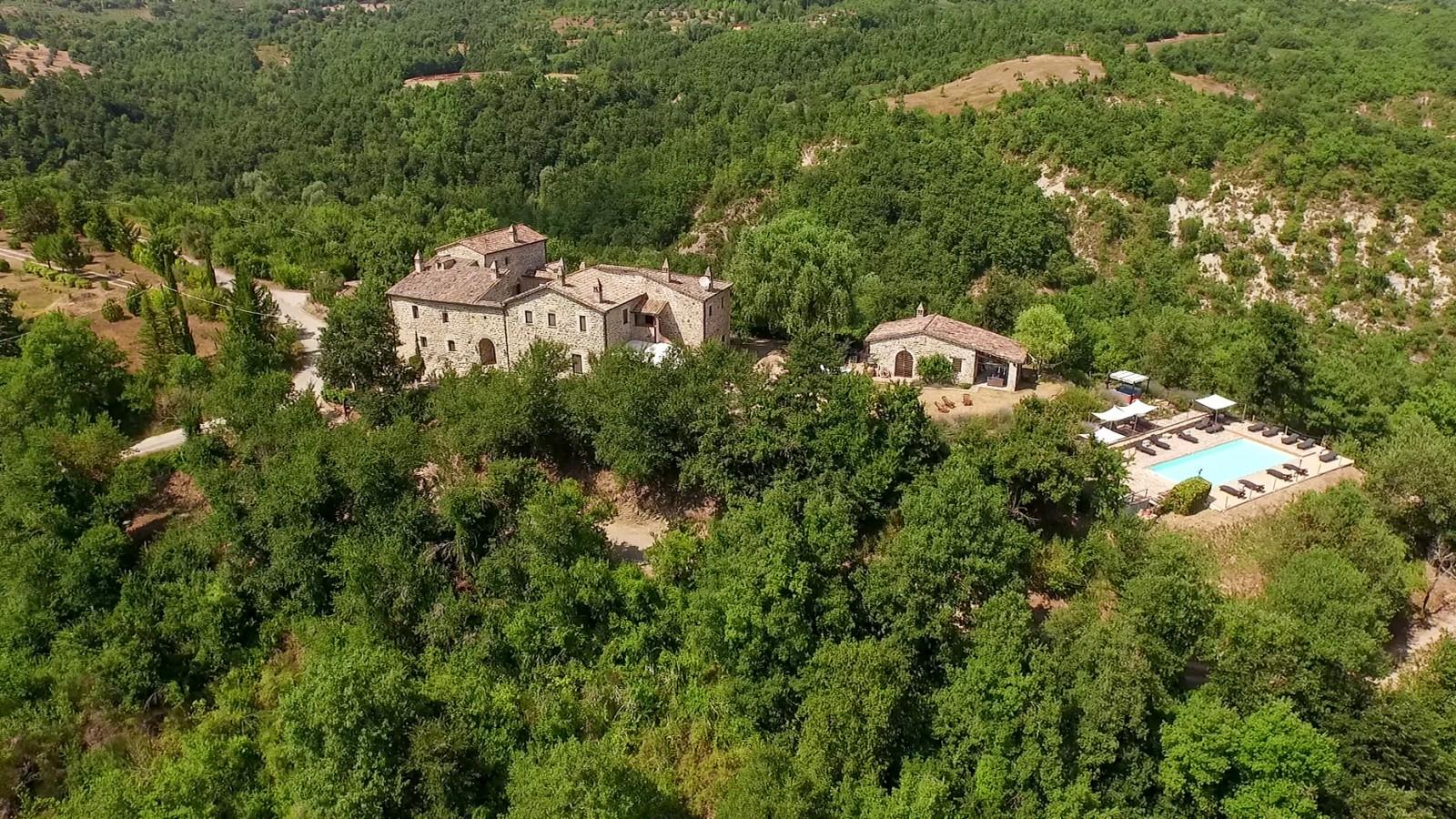 cover-Relais l'Antico Convento - Villa e appartamenti di Charme in Umbria