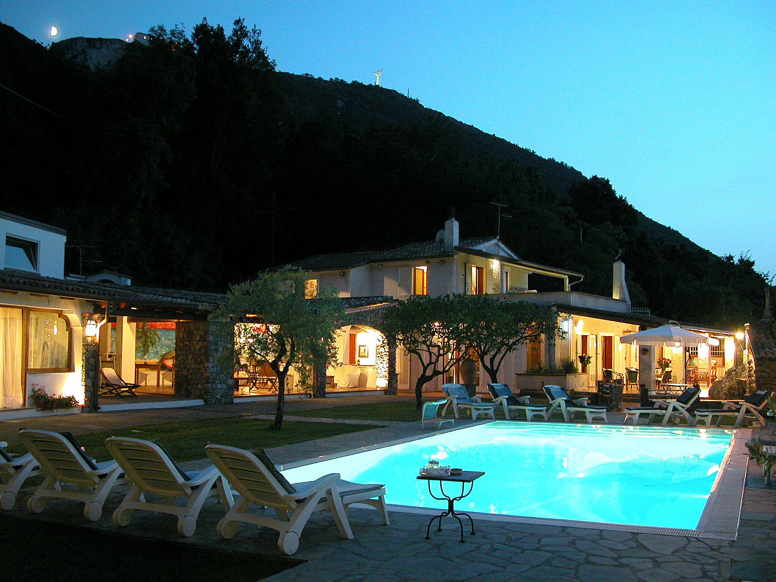 cover-Villa Carolina