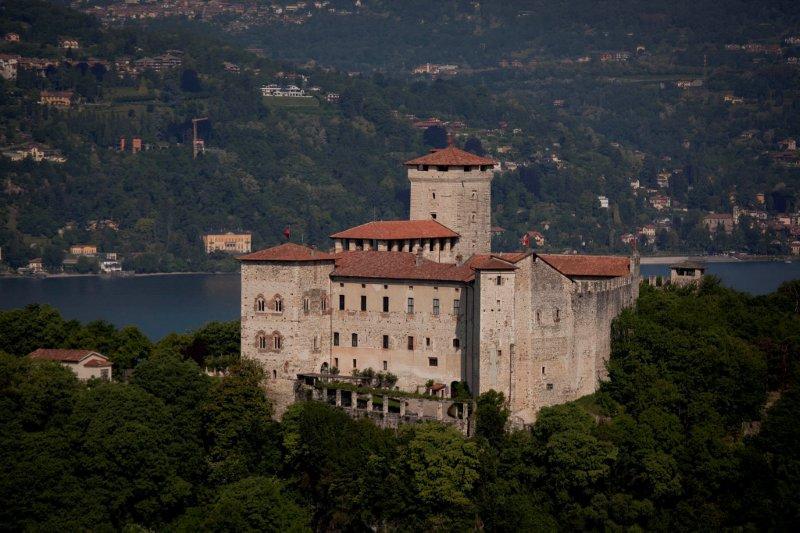cover-Rocca di Angera