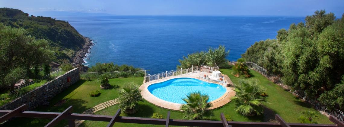 cover-Caposperone Resort