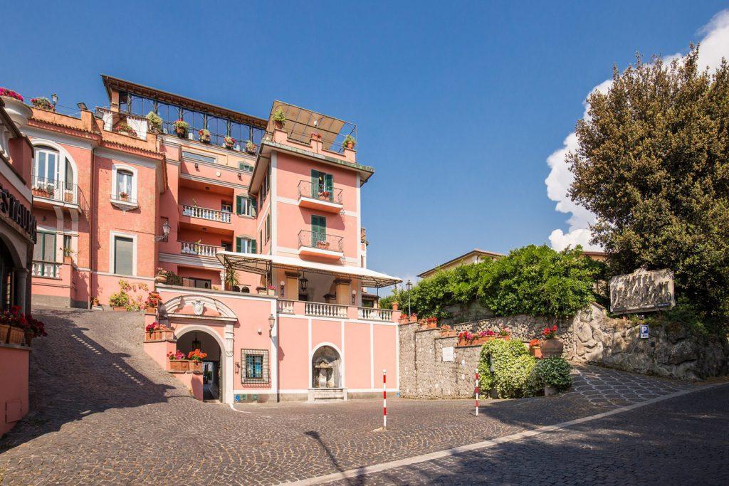 cover-Hotel Castel Vecchio