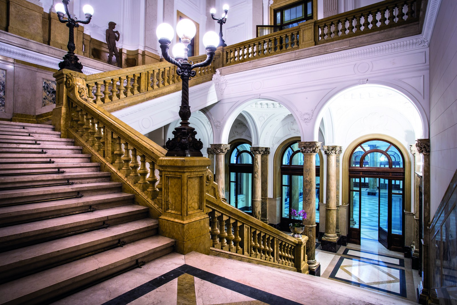 cover-Il Palazzo della Luce