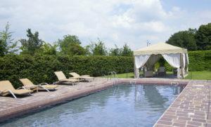 piscina-monastero-di-cherasco-2-300x181