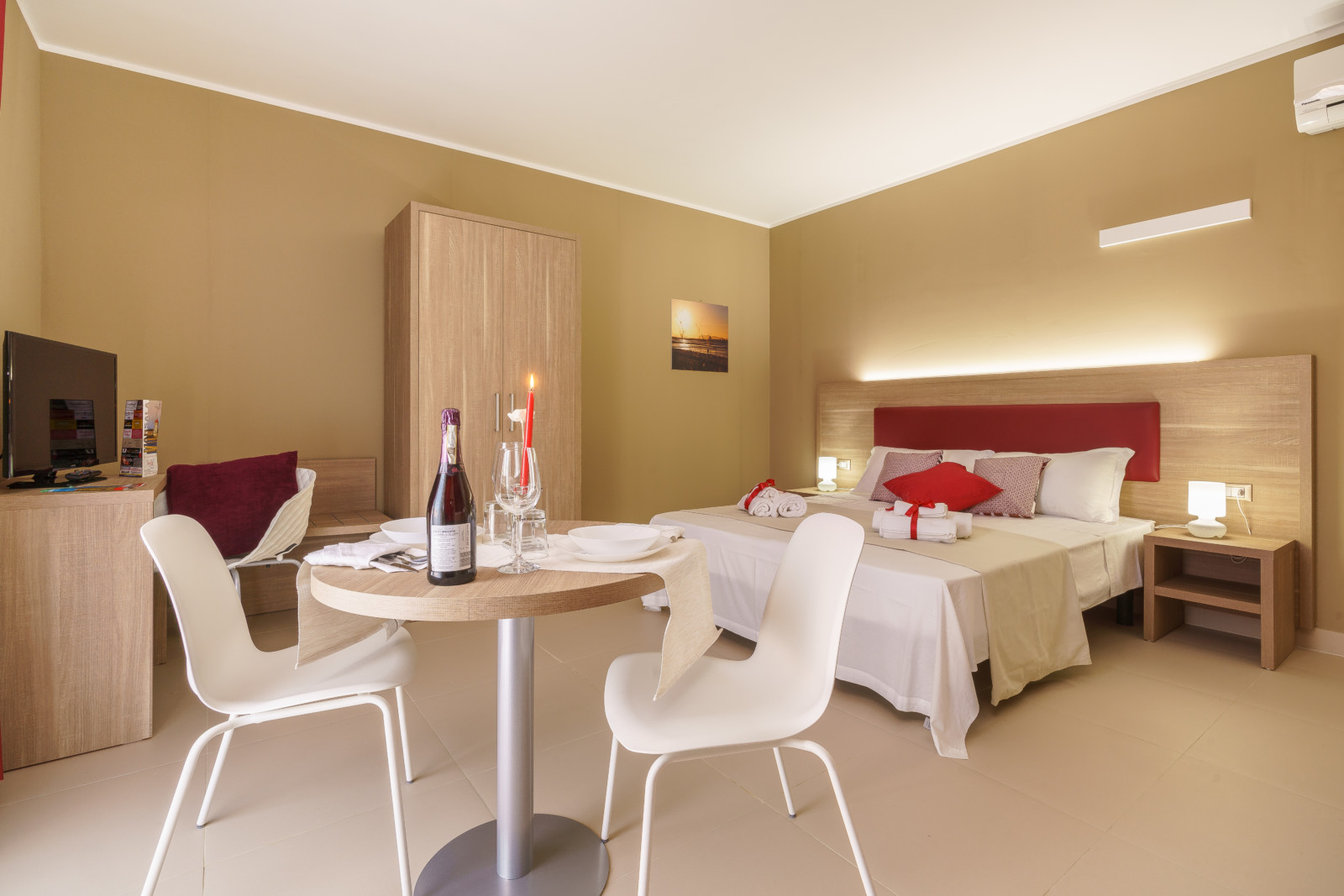 cover-Travini Suite Hotel Residence